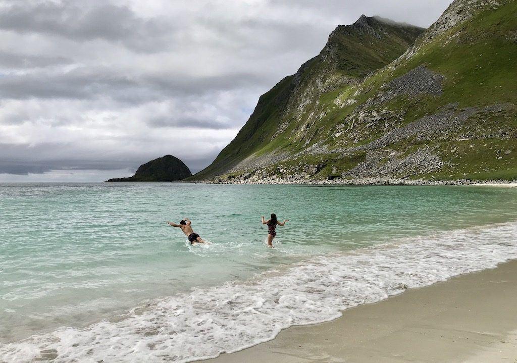 Haukland Beach Swimming, Lofotens
